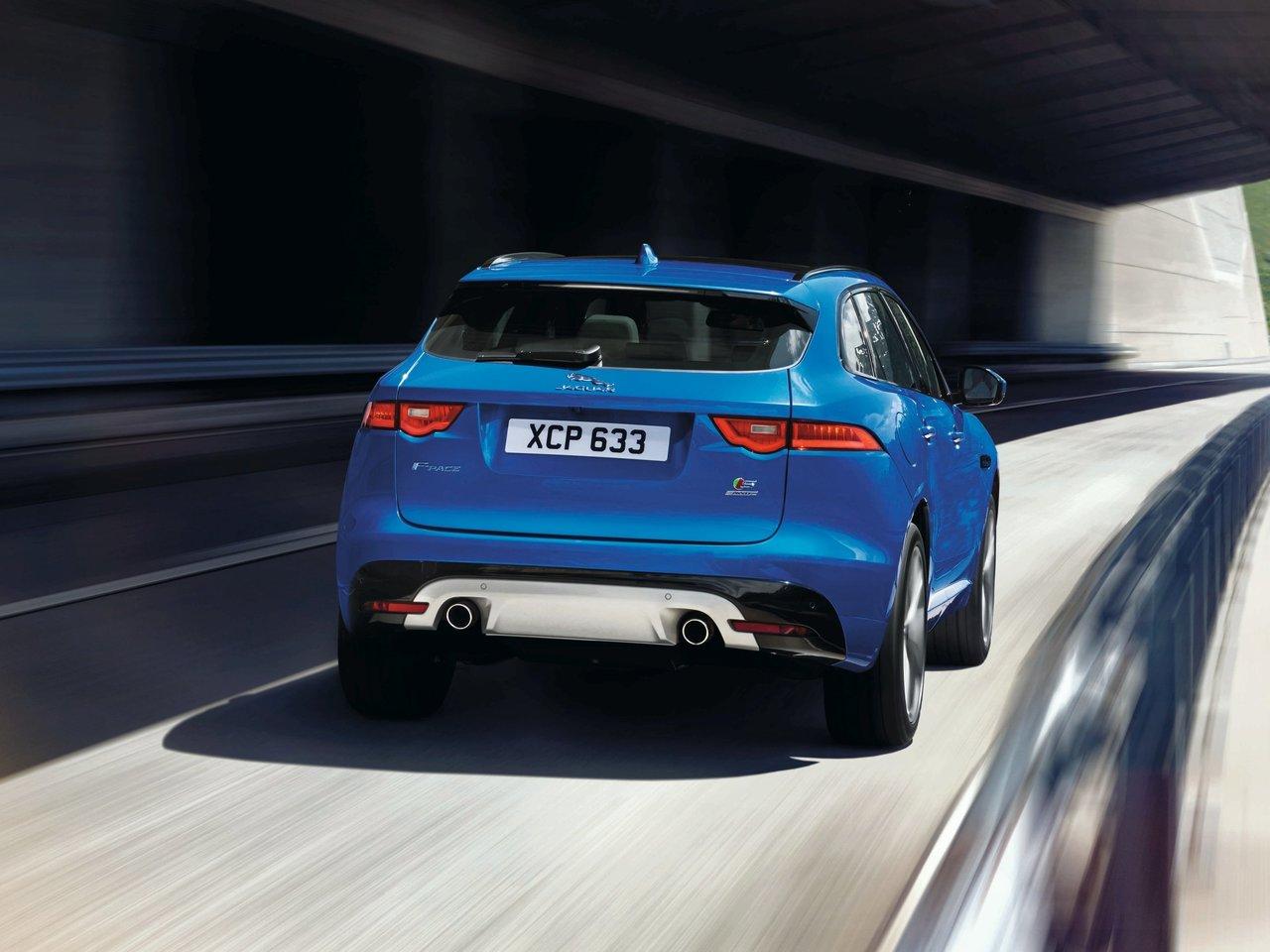 Снимки: Jaguar F-Pace