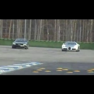 veyron-vs-slr-01