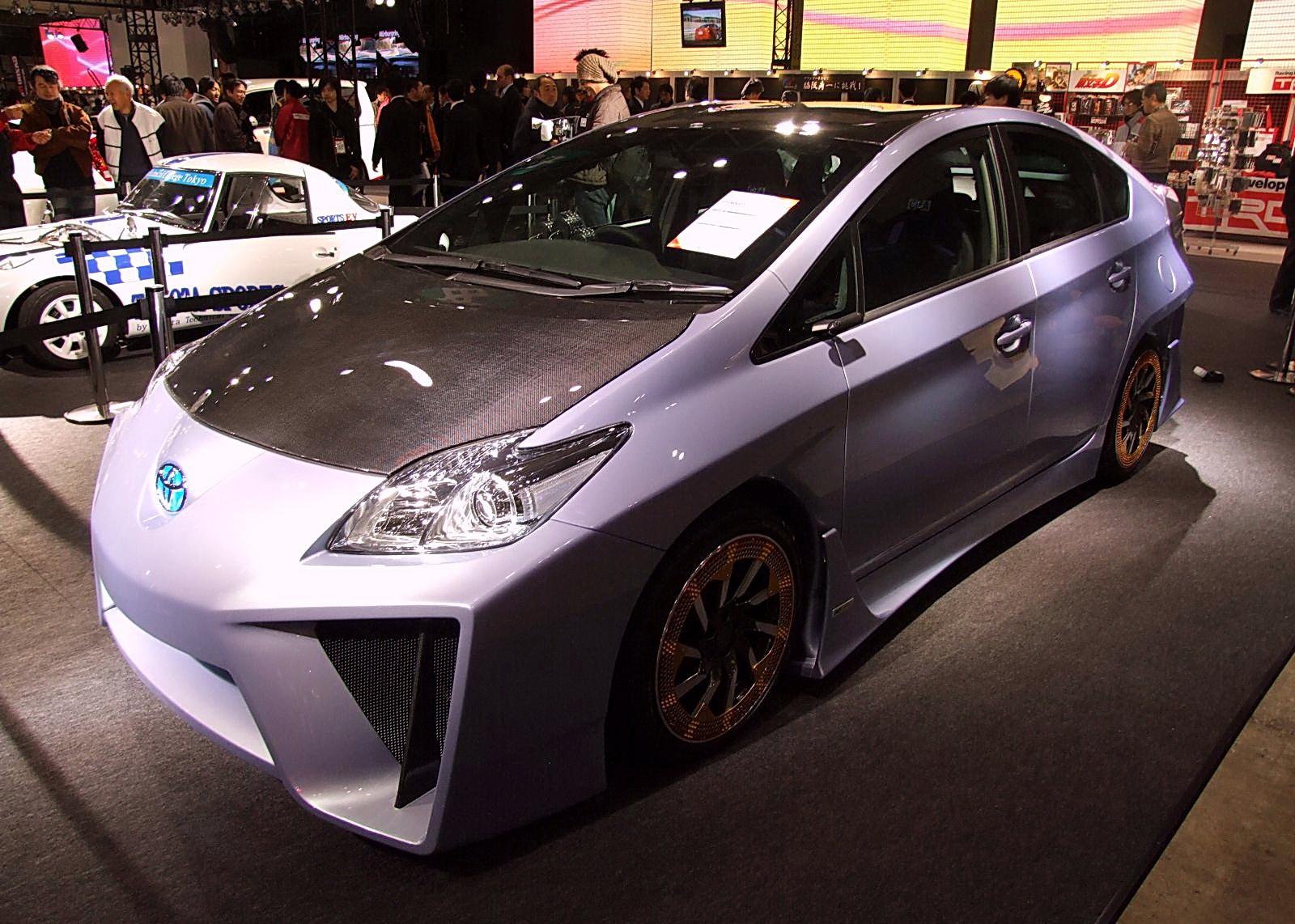 Агресивен Toyota Prius като за