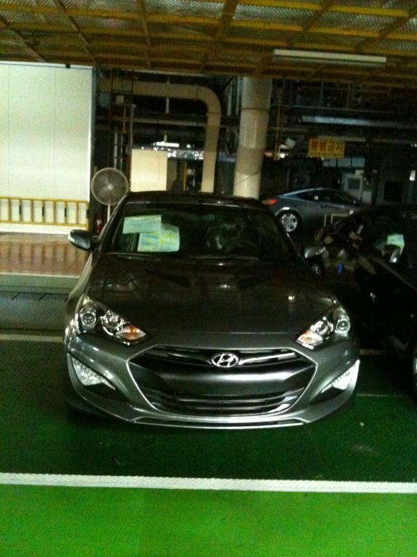 Мистериозни снимки на фейслифтовия Hyundai Genesis