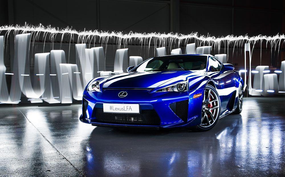 12 Чисто Нови Lexus LFA Стоят Затворени!