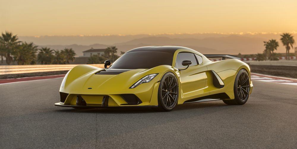 Това е Интериорът на Вдигащия 480км/ч Hennessey Venom F5!