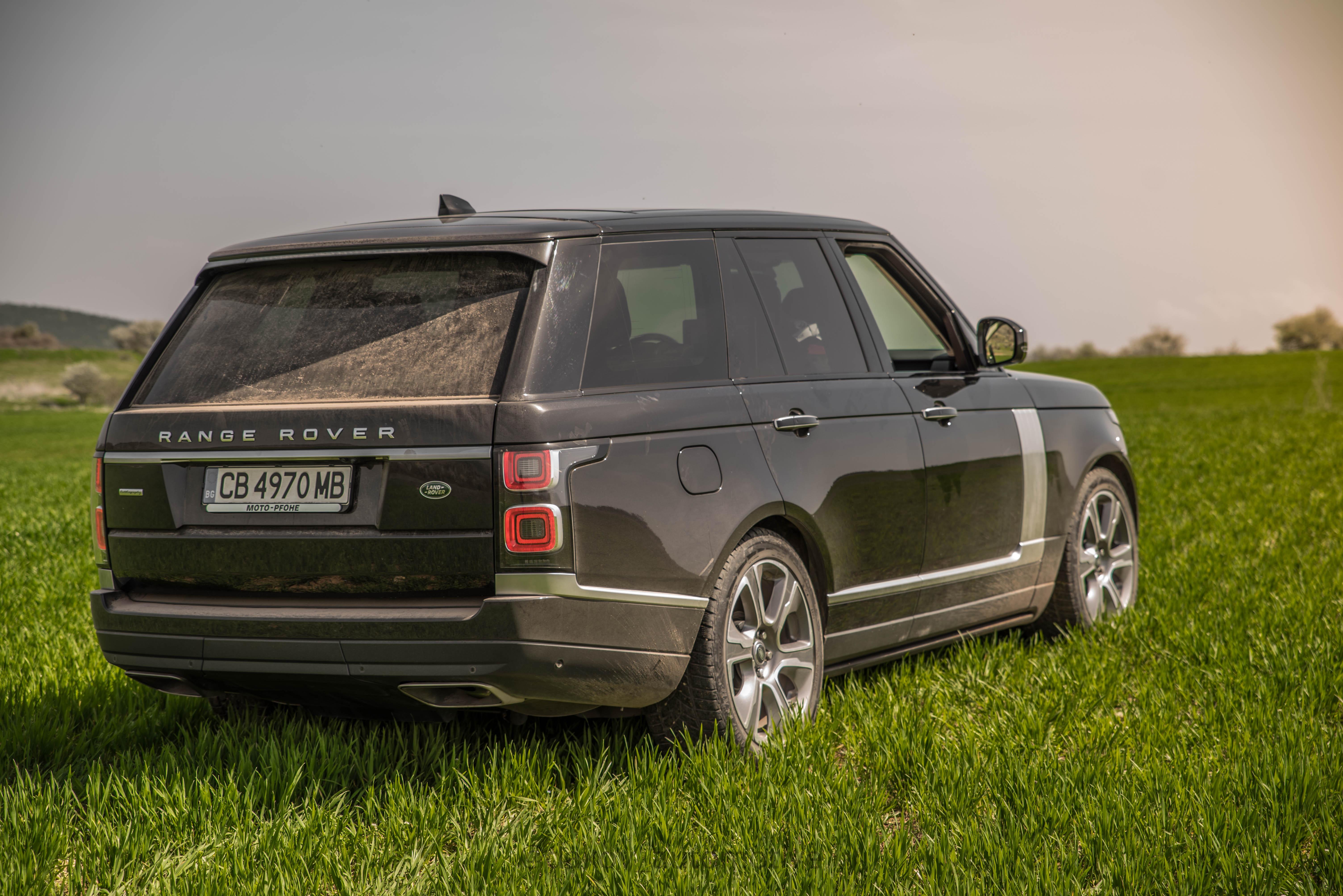 (ГАЛЕРИЯ) Тествахме Новия Range Rover! Царски Трон с Много Играчки!