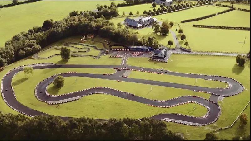 (ГАЛЕРИЯ) Ирландски Имот за 4,000,000лв със Собствена Картинг Писта!