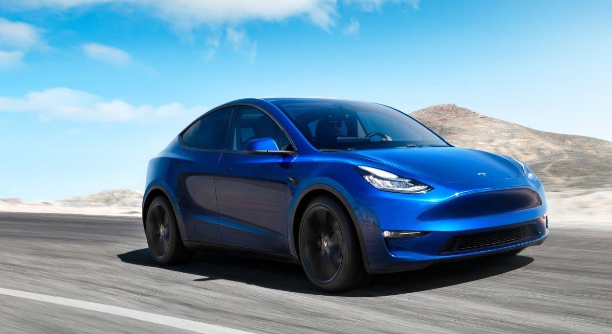 Tesla показа SUV - модел Y