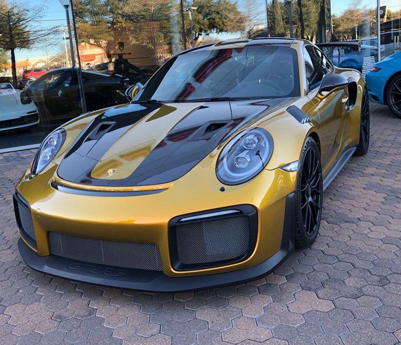 Ексклузивен цвят на GT2RS - 160 000 лв.