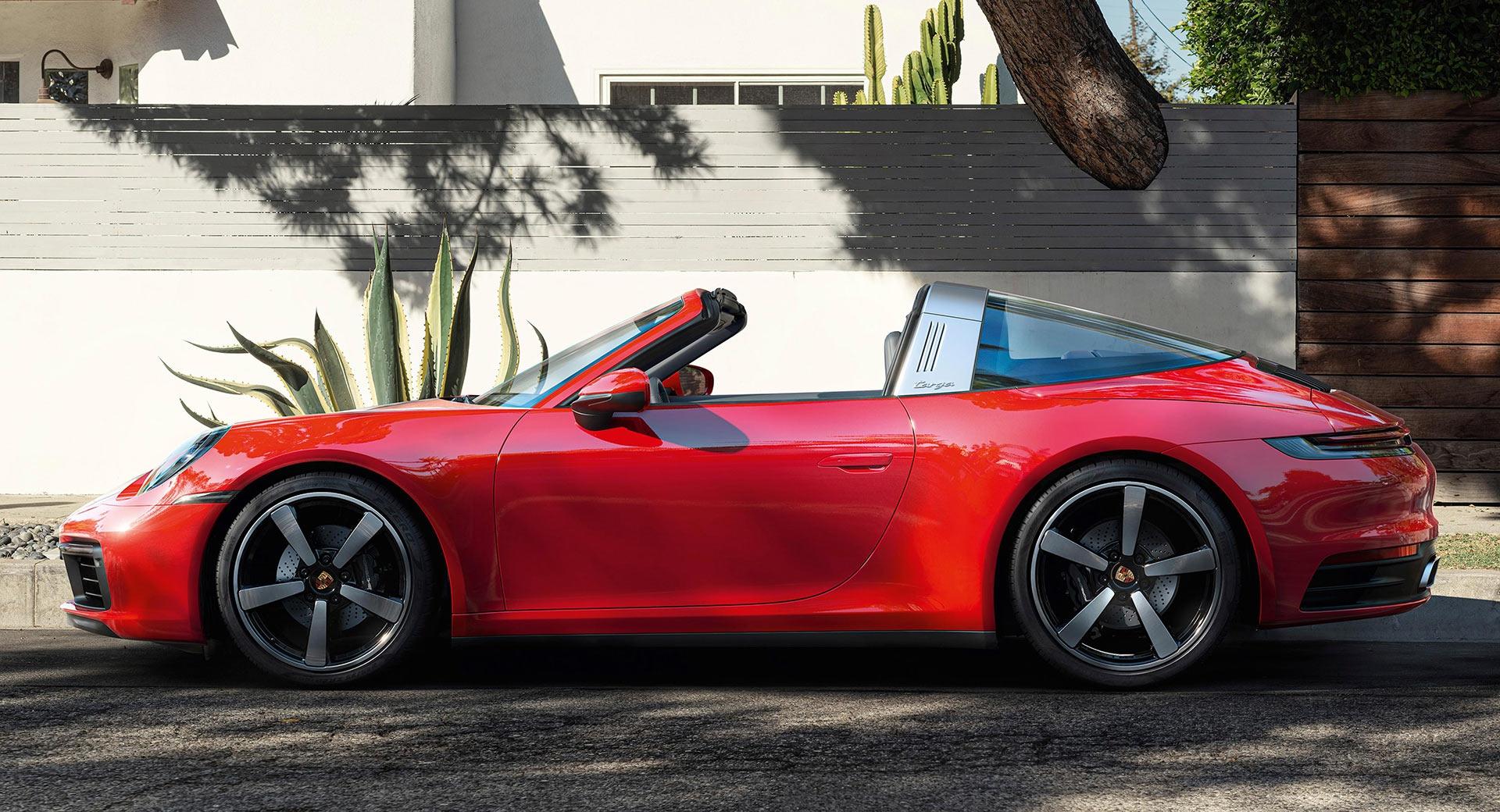 Галерия - Открийте летния сезон с Porsche 911 Targa 4/4S (ВИДЕО)